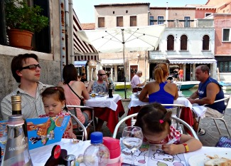 Restaurant in Venetie