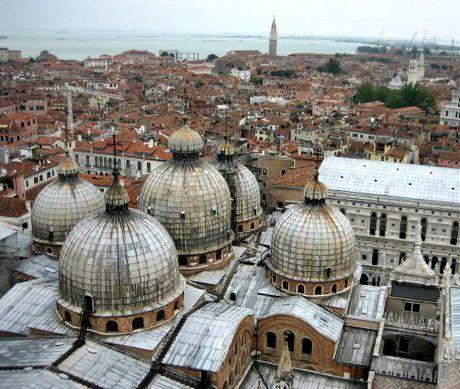 Basiliek San Marco van de bovenkant