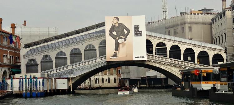Rialto Brug Venetie restauratie